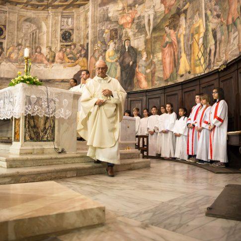 lettura, pasqua, prete, chiesa, parroco, religione, cattolicesimo, religione cattolica, rito della pasqua, lavanda dei piedi