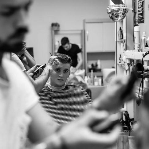 spot, barber, riflesso, fabrica di roma, vintage, ritratto, reportage, visuale, pubblicità