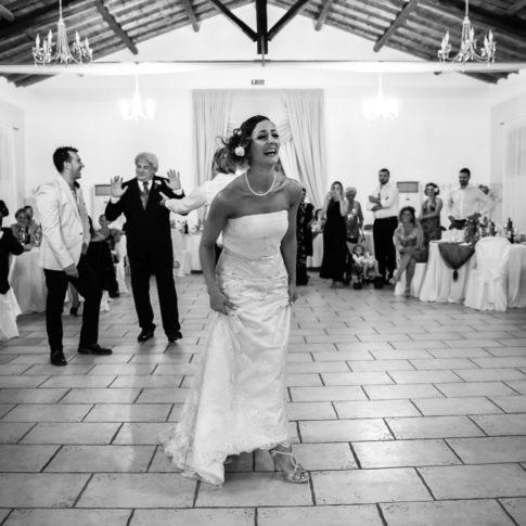 ridere, reportage, luca storri fotografo, matrimonio, attimi, felicitazioni, sposi, borgo degli abeti, agriturismo