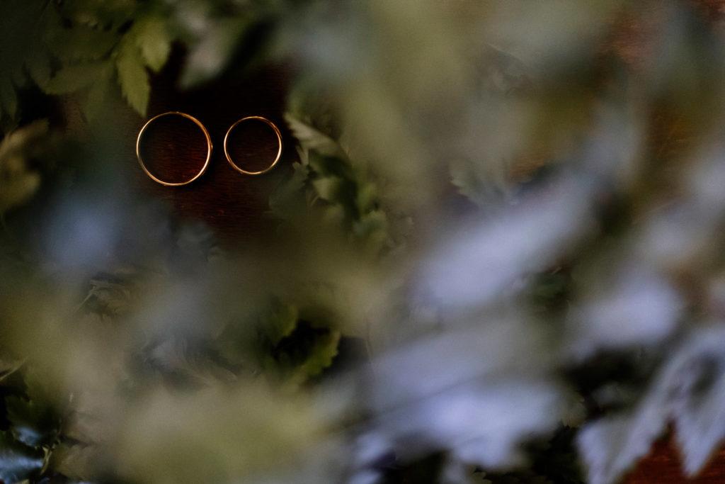 dettagli di un matrimonio, fotografo di reportage matrimoniale, civita castellana, luca storri fotografo, fabrica di roma, viterbo, fotografie naturali, fotografie spontanee, fotografie autentiche, servizio prematrimoniale, sogni, sognare, matrimonio da sogno, giorno speciale, residenza antica flaminia, tramonti estivi, no foto in posa, fabrica di roma, fotografo di matrimonio, fotografo di matrimonio di viterbo, fotografo della tuscia, fotografo nella tuscia, fotografia di reportage, reportage, momento intimo, intimità, scegliere il fotografo di matrimonio, come scegliere il fotografo per il tuo matrimonio, abbraccio, intimo, momento intimo, fiducia, fiducia al fotografo, servizio prematrimoniale, abbraccio degli sposi, matrimonio alla residenza antica flaminia, sposarsi per amore, dettagli, preparativi della sposa, preparativi dello sposo, trucco di matrimonio, truccarsi per il matrimonio, nozze, fedi nuziali, piedi della sposa, particolari della sposa, particolari dello sposo
