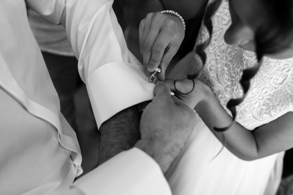 Preparativi dello sposo, preparativi della sposa, soriano nel cimino, vallerano, matrimonio in chiesa, matrimonio d'amore, sposarsi nella tuscia, sposarsi a vallerano, sposarsi a soriano nel cimino, foto non in posa, fotografia di reportage, reportage matrimoniale, fotografo di matrimonio, fotografo di matrimonio di viterbo, fotografo di matrimonio di roma, luca storri fotografo, villa finisterre, fabrica di roma, sposarsi a fabrica di roma, viterbo, santuario della madonna del ruscello, madonna del ruscello, ballo degli sposi, momenti unici, empatia, simpatia, amore, vero amore, fotografia spontanea, spontaneità, sposarsi nel 2020, matrimonio a vallerano, giochi degli sposi, matrimonio a villa finisterre, villa privata, amici degli sposi, riconoscere gli sposi, villa con piscina, vignanello, matrimonio a vignanello