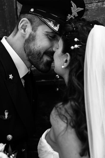 fotografie naturali, fotografie spontanee, fotografie autentiche, servizio prematrimoniale, sogni, sognare, matrimonio da sogno, giorno speciale, scegliere il fotografo di matrimonio, fabrica di roma, no foto in posa, fotografia di reportage, viterbo, lazio, agro falisco, tuscia, tuscia matrimoni, matrimonio nella tuscia, fotografo della tuscia, fotografo nella tuscia, fotografo di viterbo, fotografo di roma, roma, italia, lazio, luca storri fotografo, baciarsi, annusarsi, momenti degli sposi, raccontare emozioni, emozionarsi, sposare un militare